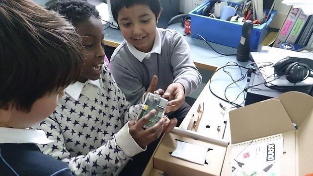 Kano: nuevo ordenador de bajo coste que pueden ensamblar hasta niños