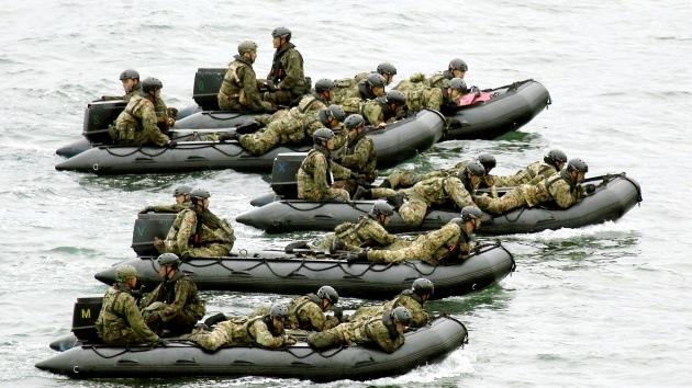 Japón refuerza su posición militar en las aguas en disputa ante la presencia de barcos chinos