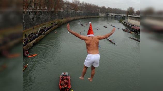 Los europeos recibieron el 2012 con unos refrescantes baños