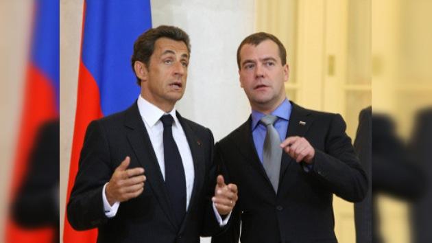 Medvédev y Sarkozy defienden la reforma del sistema financiero global