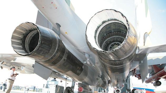 Cazabombarderos furtivos chinos J-20 serán propulsados por motores rusos