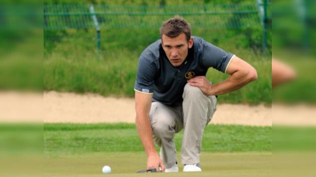 Shevchenko cambia botines por palos y se lleva el subcampeonato de golf de Ucrania