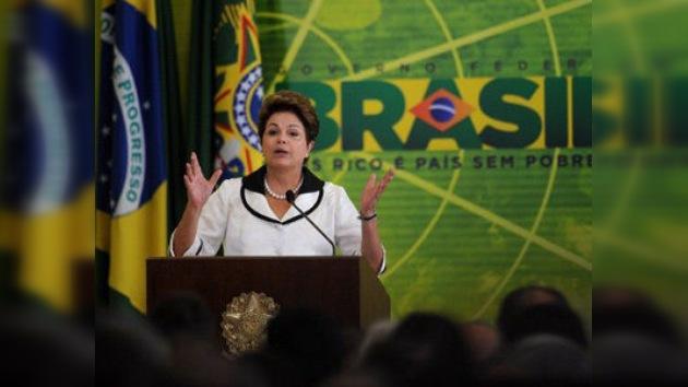 Mandataria brasileña alcanzó en marzo su nivel más alto de popularidad