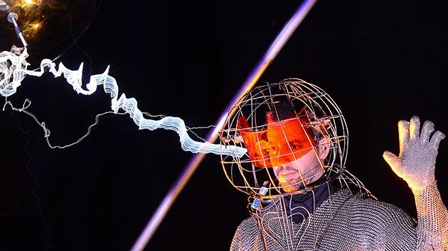 Video: El ilusionista David Blaine pasó 72 horas bajo una tormenta eléctrica
