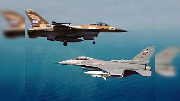 Los cazas turcos 'se cambian el chip' para identificar los aviones de Israel como enemigos