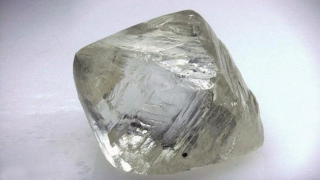 Rusia extrae un diamante excepcional con un valor de un millón de dólares