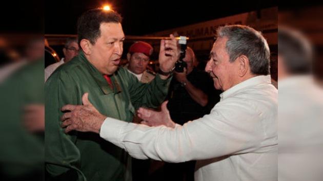 """Venezuela y Cuba """"pasaron revista a la marcha"""" de sus vínculos bilaterales existentes"""