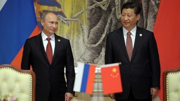 """""""Contrato de gas ruso-chino derrumbó los planes de EE.UU. de dominación mundial"""""""