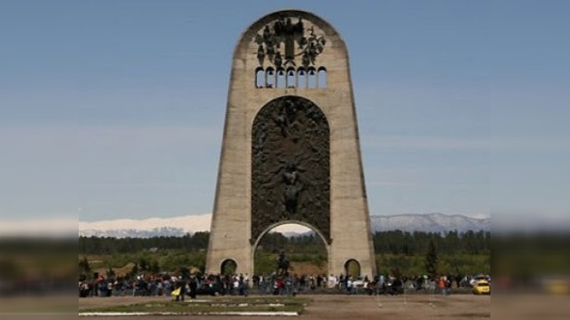 Monumento explotado en Georgia será reconstruido en Moscú