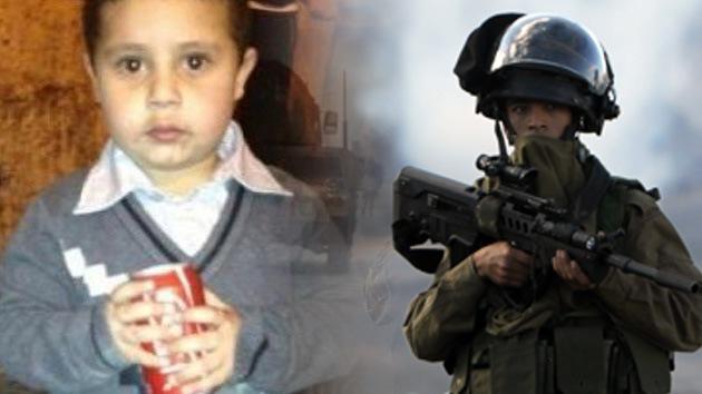 Soldados israelíes irrumpen en una casa árabe para arrestar a un niño de 4 años