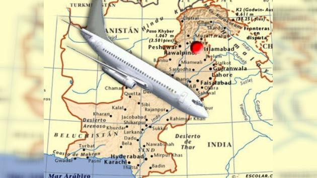 Vídeo: Un avión con 127 personas a bordo se estrella en Pakistán