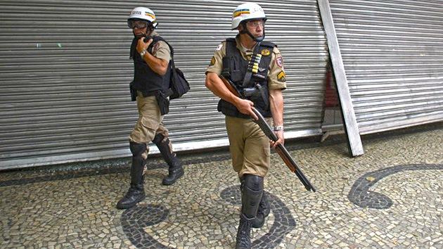 Mueren 9 brasileños tras recibir mensajes que les desaconsejaban salir de casa