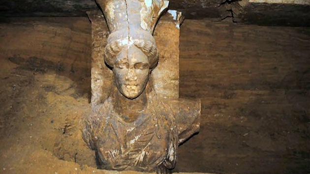 Desvelan el secreto de una gran tumba de la época de Alejandro Magno hallada en Grecia