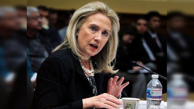 """Hillary Clinton: """"Fidel Castro debe irse"""""""
