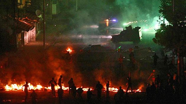 Video: La Policía turca usa gas lacrimógeno para dispersar protestas antigubernamentales