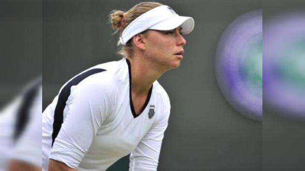 Zvonariova y Kuznetsova debutan con victorias en el arranque del Wimbledon