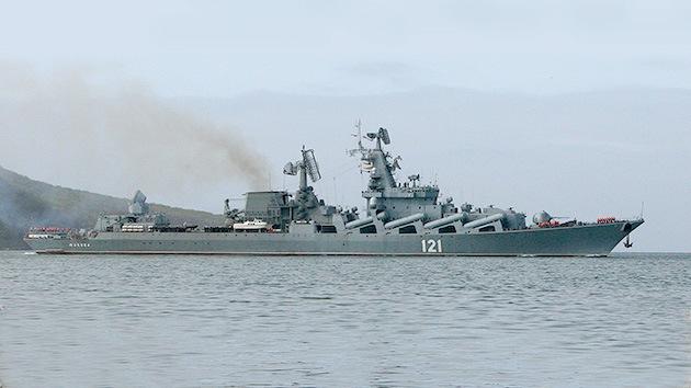 El 'asesino de portaaviones' ruso, el crucero Moskvá, ya está en el Mediterráneo