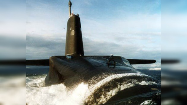 Reino Unido por error publica en internet datos secretos de submarinos atómicos