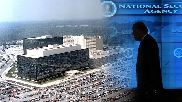 Edward Snowden ¿un 'hacker' con titulación?