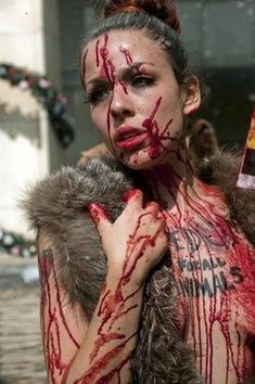 Protesta en México contra el uso de piel de animales en la moda