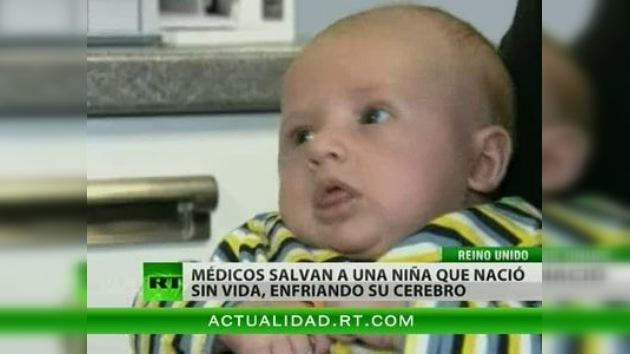 Los médicos salvan la vida de un bebé congelándolo