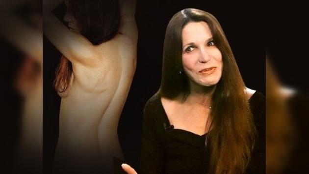 La hija de Ronald Reagan posa desnuda a los 58 años