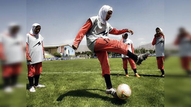 Irán desaprueba que la FIFA no deje jugar con pañuelo a su selección femenina