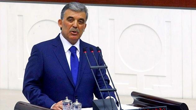 Presidente de Turquía: tenemos derecho a adquirir cualquier arma para enfrentarnos a Siria