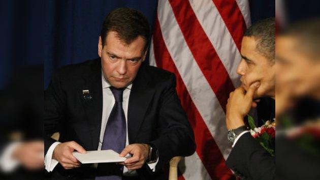 Medvédev y Obama analizan el nuevo START