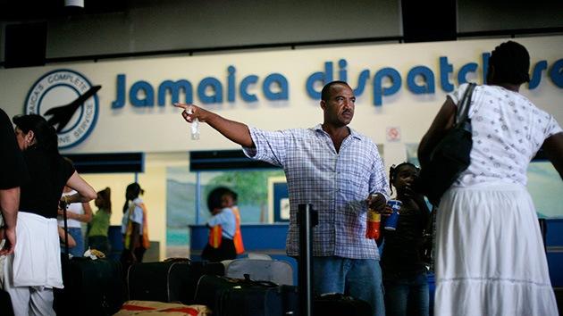 Jamaica prohíbe la entrada de personas que hayan visitado países afectados con ébola