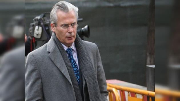 El Tribunal Supremo rechaza los argumentos de Garzón y tendrá que declarar