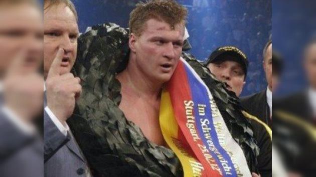 Alexander Povetkin conserva su título de los pesos pesados de la AMB
