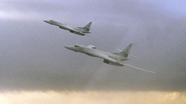 Dos bombarderos rusos aterrizan en Venezuela en el marco del plan de entrenamiento de combate