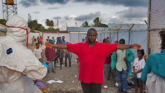 ¿Cómo evitar el contacto con el ébola? La OMS publica una serie de recomendaciones