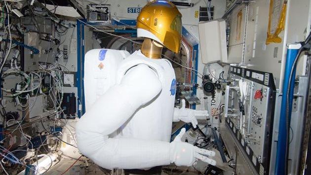 Video: Pruebas de un androide a toda marcha en el espacio