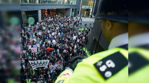 La Policía británica combatirá los disturbios callejeros con mal olor