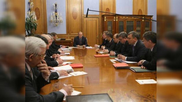 El premier ruso destacó las prioridades del Ejército nacional