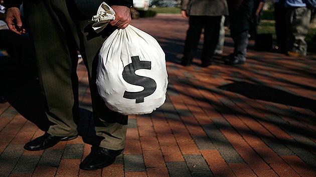 Un exdrogadicto de EE.UU. devuelve 125.000 dólares que halló en la calle
