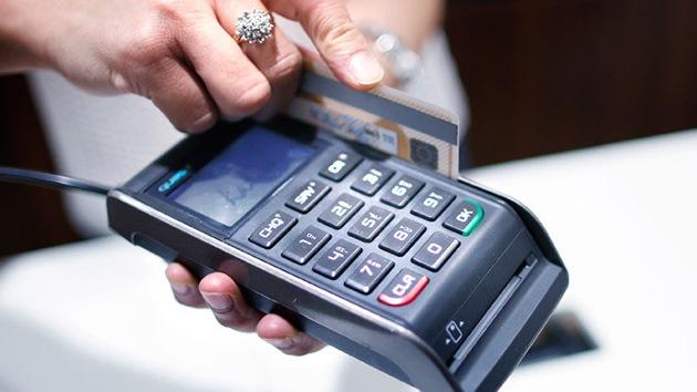 Un banco ruso emite nuevas tarjetas utilizando un sistema de pagos doméstico