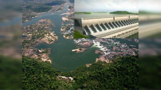 La central de Belo Monte costará a Brasil 500 km² de selva