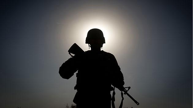 Un soldado australiano que cortó las manos a talibanes muertos podría ser imputado