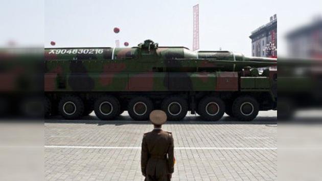 """Corea del Norte proclama que tiene misiles para vencer a EE. UU. """"de un golpe"""""""