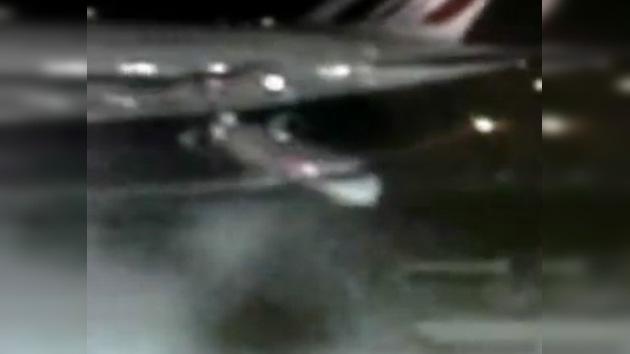 Un Airbus choca con otra nave más pequeña en el aeropuerto JFK de Nueva York
