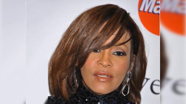 Whitney Houston murió ahogada tras consumir cocaína, según forenses