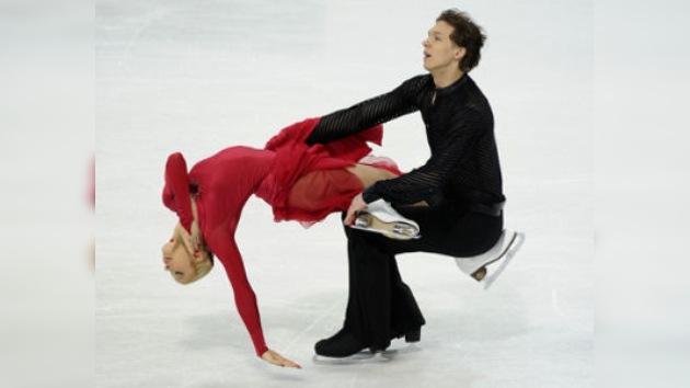 Bobrova y Soloviov ganan la plata en danza en el Europeo de patinaje