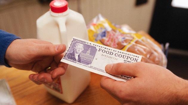 El 15% de los estadounidenses vive con vales de comida