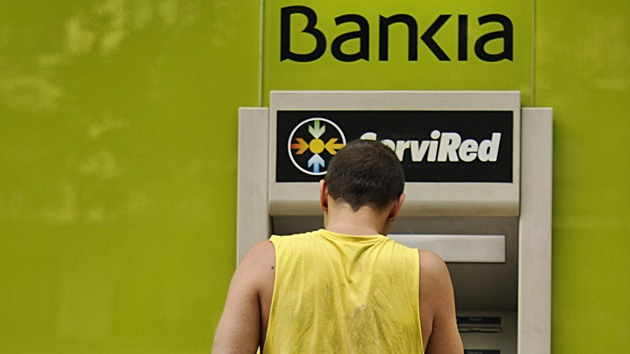 Europa salva a los bancos y oprime a los jóvenes