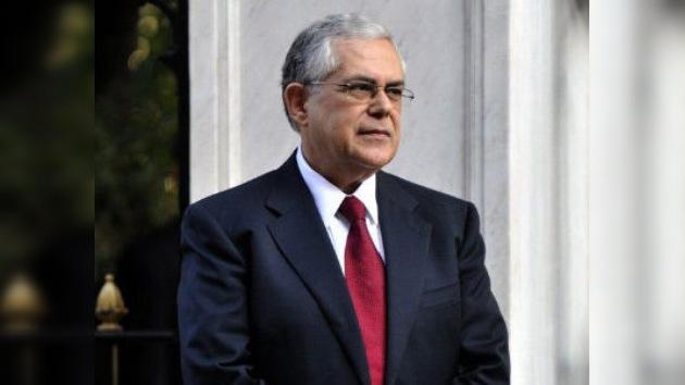 Lucas Papademos y el nuevo Gabinete griego juran el cargo