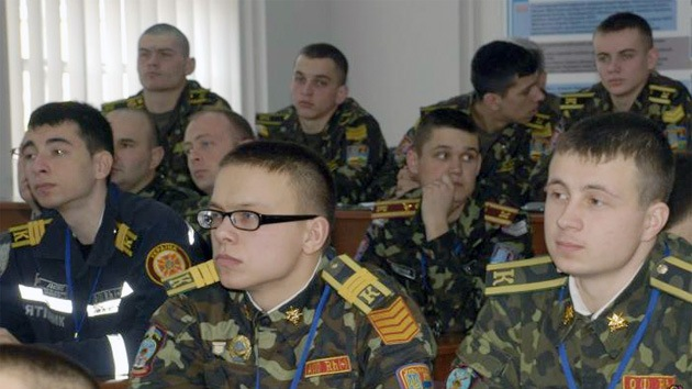 Kiev reúne a cadetes en Lvov y los envía a reprimir las protestas a Donetsk