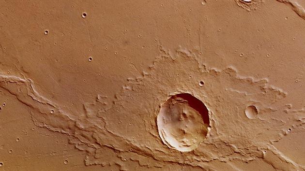 Publican una foto de un cráter inusual en Marte
